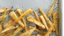 baked-parsnip-fries-with-rosemary-646